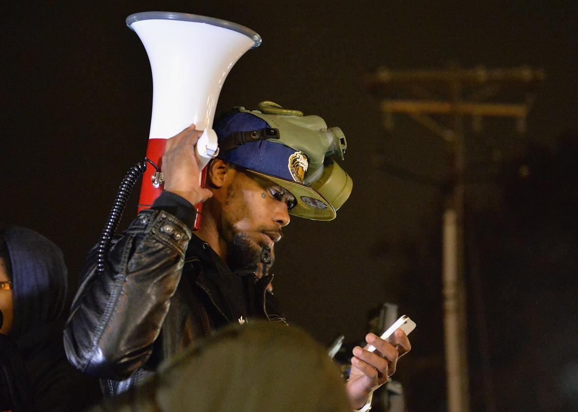 A Cellphone Rights Guide for Trump Inauguration Protesters and Wo...