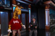 Watch a Drunk, Naked-From-the-Waist-Down Geoffrey the Giraffe Sma...