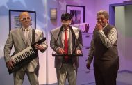 Watch Paul Rudd and Beck Bennett Ruin a Retirement Party on <e...